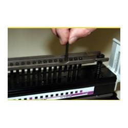 Outil perforation Anneaux Métalliques Pas 3:1 - Trous carrés 4x4 mm Ultra-Mac
